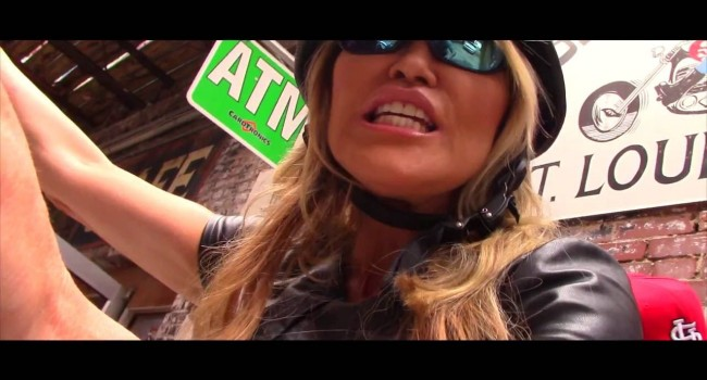 Therese-Marie feat. Snoop Dogg – Eastside...